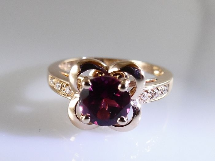 Mauboussin - Désirez l'Amour - 18 kt rose gold - new - 0.78 ct rhodolite and 6 brilliants - 3.5 g - ring size 15.75 mm (49.5)