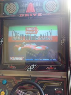 Lot consisting of a 1000 miles Arcade game