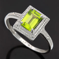 14K White Gold Ring Set with 1.06 ct Peridot and 0.01 ct Round Cut Diamond - Ring Size US 7 ***No reserve Price***