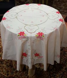 Christmas round tablecloth for 6 people, hand embroidered cross stitch, applications and crochet - Diameter 158 cm - Without reservation