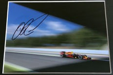 Nice framed image, personally signed by Daniel Ricciardo