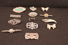 Lot of 13 antique silver  brooch´s - stones details - Portugal 20th century