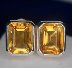 3.30ct vintage earrings with a bright honey coloured Citrine in Sterling silver and an excellent condition