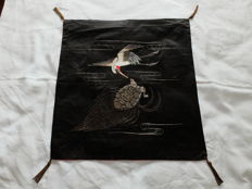 Antique fukusa with crane and tortoise on Shusu silk - Japan - Meiji Period (1868-1912)