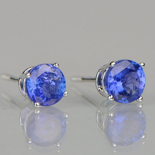 Gold stud earrings with tanzanite solitaire 1.00 ct in total – 5 mm