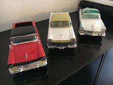 Sun Star - Scale 1/18 - Lot of 3 American cars: 3 x Ford