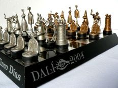 Dali surrealistic chess