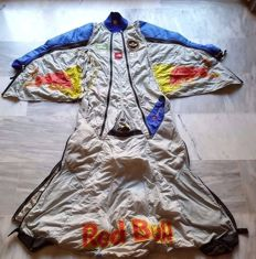 Wingsuit with wings for professional base jump - Brand: Red Bull