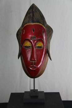 Beautiful polychrome mask – BAULE - Ivory Coast