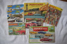 Dinky Toys - Lot with 7 Catalogues from the 1950s, 1960s and 1970s including 1 with 110 pages
