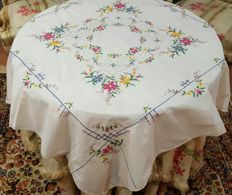 Antique square tablecloth for 4 people hand made in cross stitch embroidery, applications, frayed and hemstitch - 103 x 100 cm - no reserve