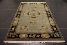 Chinese vase carpet, 170 x 250 cm, made in China