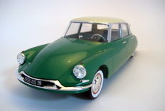 Norev - Scale 1/12 - Citroën DS19 Green & Champagne 1956