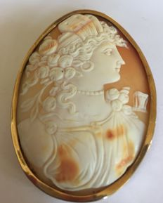 Gold antique cameo brooch, large size, the Netherlands - Italy, ca. 1900