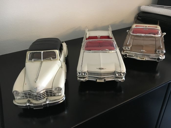 Anson / Maisto - Scale 1/18 - Lot of 3 American cars: 3 x Cadillac