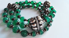 Vintage necklace in 925 silver with green agate beads