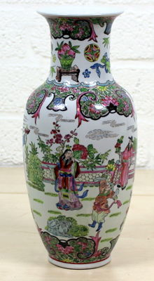 Chinese vase with decor of warriors - China - 2nd half of the 20th century