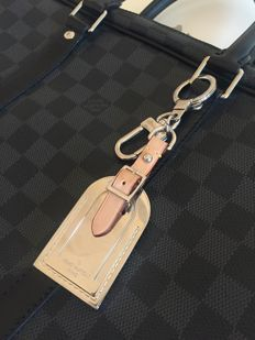 Louis Vuitton Bagcharm metal luggagetag