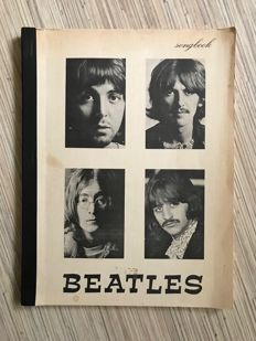 Beatles Songbook :Beatles Songbook with 206 songtexts from many famous Beatles Albums.