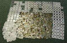World - batch of various coins (over 2,000 pieces)