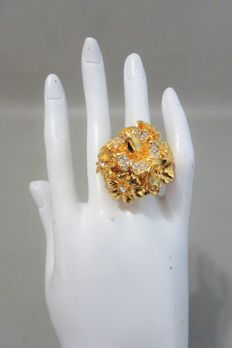 """Kenneth Jay Lane - Yellow gold plated statement flower Garden Party Ring with Austrian Crystals. """"Couture Collection"""""""