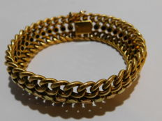 Braclet from ca 1900 in 18 kt three tone gold weighing 23.8 g