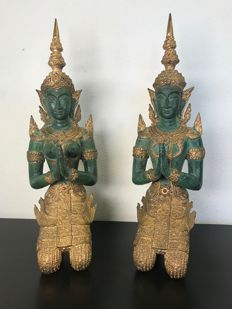 "Set of large bronze ""tempanons"" (temple guards) - 34 cm high - Thailand - 2nd half 20th century"