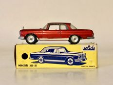 Solido - Scale 1/43 - Mercedes-Benz 220SE No.126