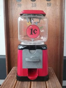 Chewing gum and candy dispenser - Toronto Canada, second half of the 20th century