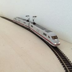 "Fleischmann N - 7440 - 2-part electric train set Series BR 401 ""ICE 1"" of the DB, with LED-lighting and strong lights"