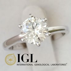 IGL 1.06 ct F/VS2 Round Diamond Solitaire Ring