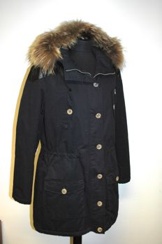 Oui Luxury Edition – Down parka with hood raccoon fur – never worn