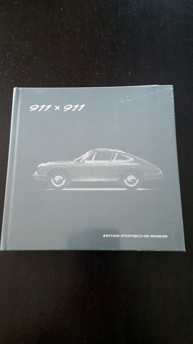 Porsche Buch 911 x 911 Very rare book - Porsche Museum - new and original sealed