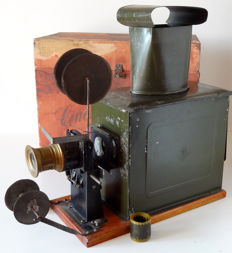 Demaria Lapierre Magic Lantern for fixed images and films circa 1900 in its original case