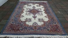 Magnificent Old Beautiful Hand-knotted Persian - schareza 186cm x 272cm !