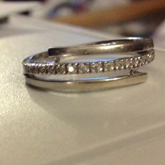 Ring in 18 kt white gold and diamonds (NO RESERVE PRICE)