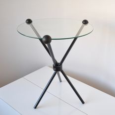 Markus Börgens for D-TEC Design - Metal tripod design table with glass tabletop