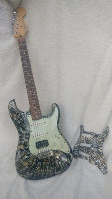 Ltd. Edition Fender Stratocaster (Splatter)  - MZ3089442 - Mexico - 2003