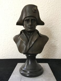 Large bronze bust of Napoleon Bonaparte by A. Canova