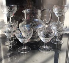 Set of crystal glasses by Baccarat - One jug and 8 glasses, finely tooled and very prestigious