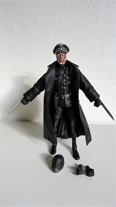 Hellboy Officer Kroenen Action Figure Mezco Toys Series 1 5 Brand