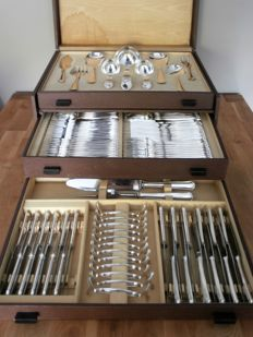 August Wellner & Söhne 800 - Silver Art Deco 12-person cutlery incl. fish cutlery + serving cutlery / 117-piece in box