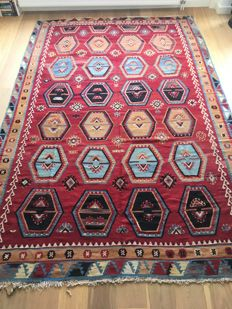 Sarkisla Kilim, Turkey, 350 x 225 cm