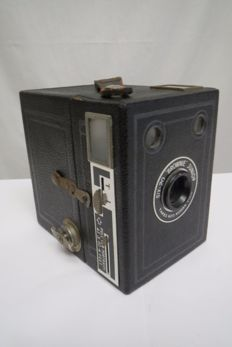 "Kodak Six-20 ""Brownie"" Junior 1937-1938"