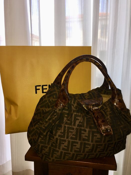 b8ea0d9a6015 Fendi - Spy Bag handbag - Catawiki