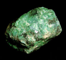 Great block with multiple gems of beryl emerald in matrix - 11.5 x 10.9 x 6.4 cm - 1190 g