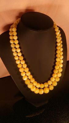 Vintage modified white/ Egg yolk colour Baltic Amber necklace, length 53/ 62 cm, 81 grams