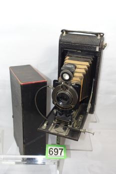 Kodak junior Autographic No 2C Folding camera including original box