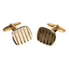 Dutch vintage 14k gold cuff links.