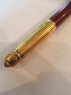 Cartier fountain pen, Gold plated with red